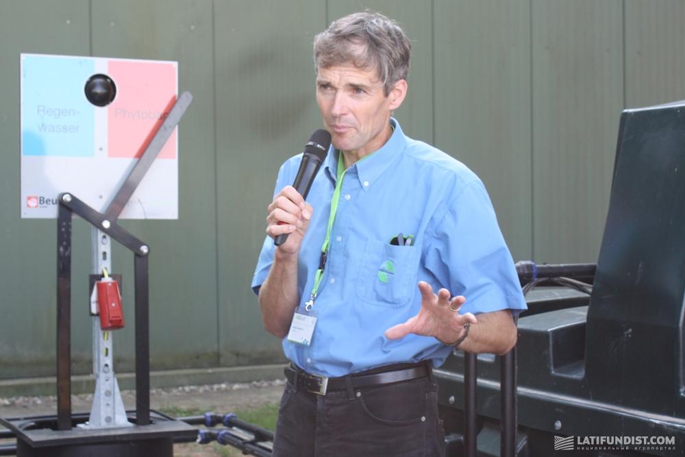 Дэвид Лембрич, менеджер по контролю над качеством продукции агроподразделения Bayer