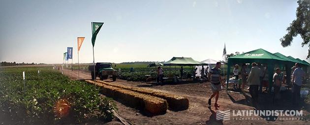 Начало Дня поля агрокорпорации «Днипро»