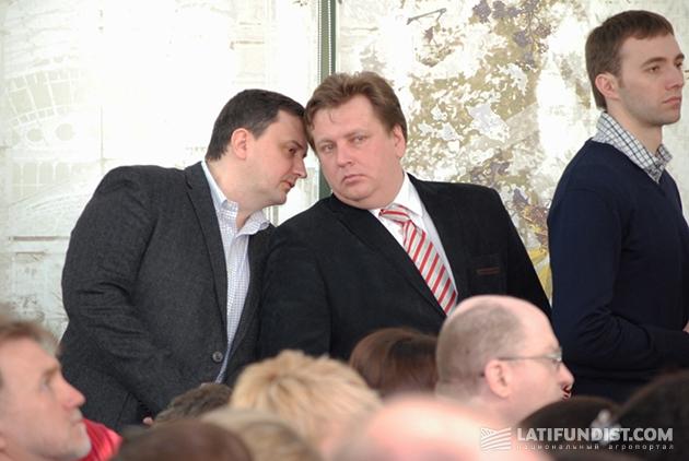 Слева-направо: Роман Шаповал, региональный директор AGCO в Украине и Восточной Европе, и Антон Костырко, директор по маркетингу AGCO в Восточной Европе