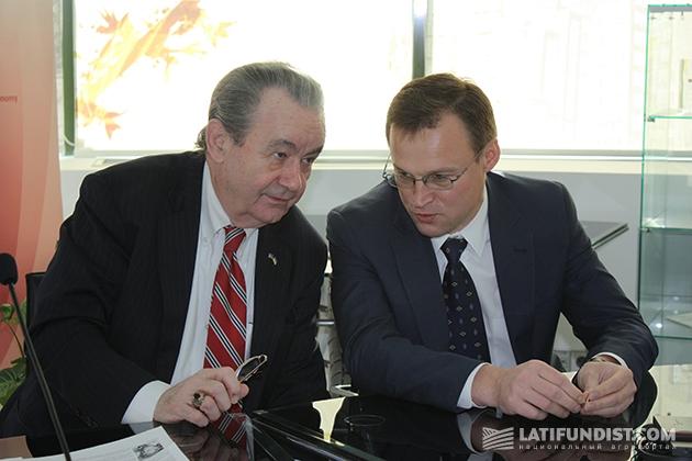 Слева-направо: Морган Вильямс и Виталий Скоцик