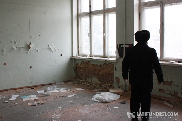 Завхоз института Борис Андреевич