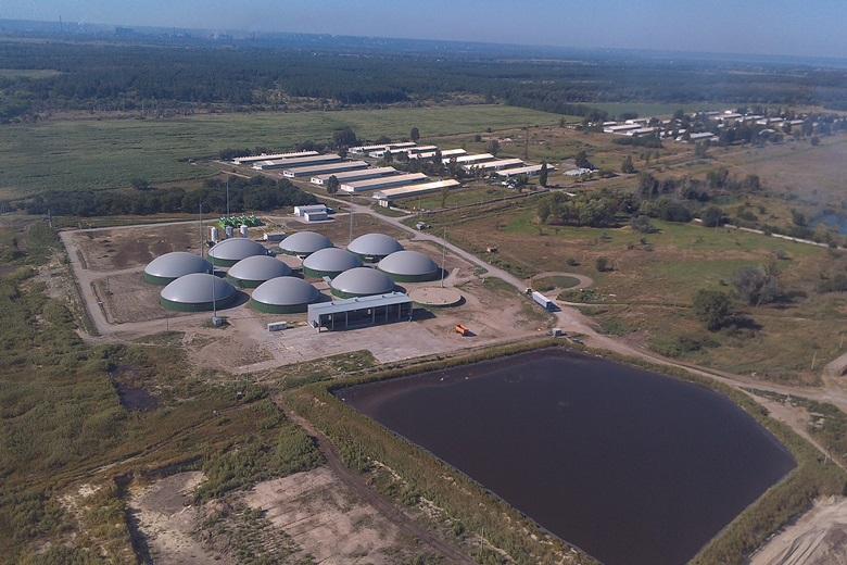 Biogas complex at Oril-Leader poultry farm