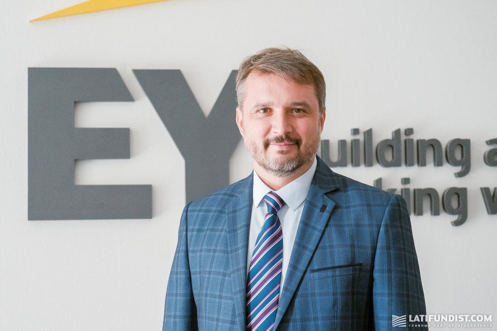 Владислав Остапенко, руководитель направления услуг по корпоративным финансам и M&A