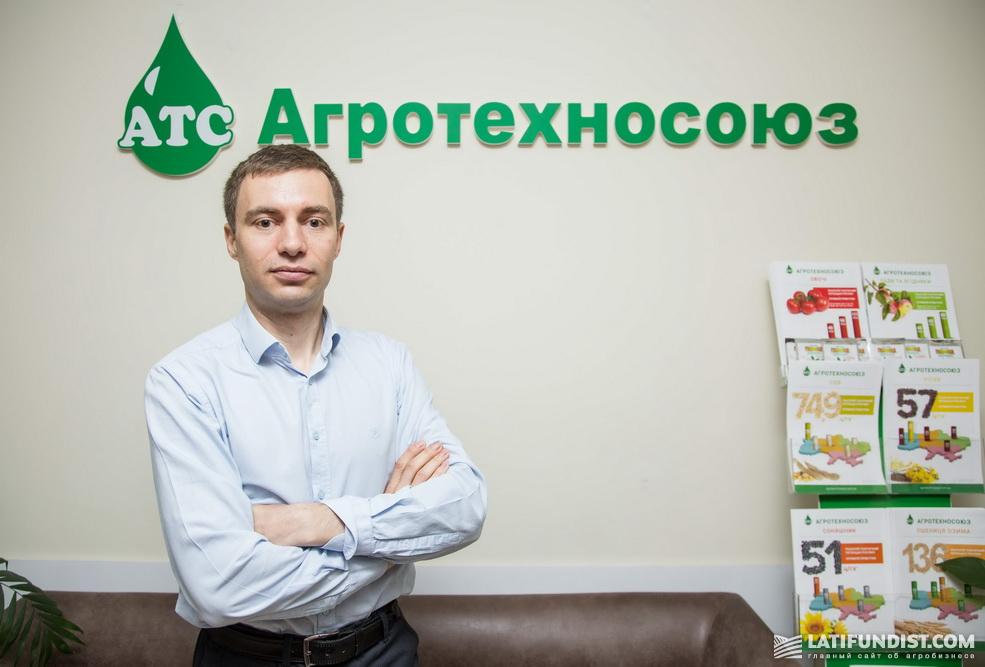 Дмитрий Козаренко