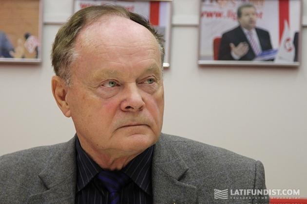 Виталий Львов