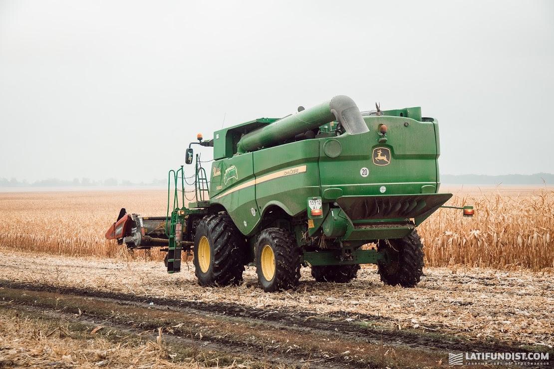 Наше стратегическое направление — это индустрия агробизнеса и все смежные отрасли, включая переработку, торговлю техникой