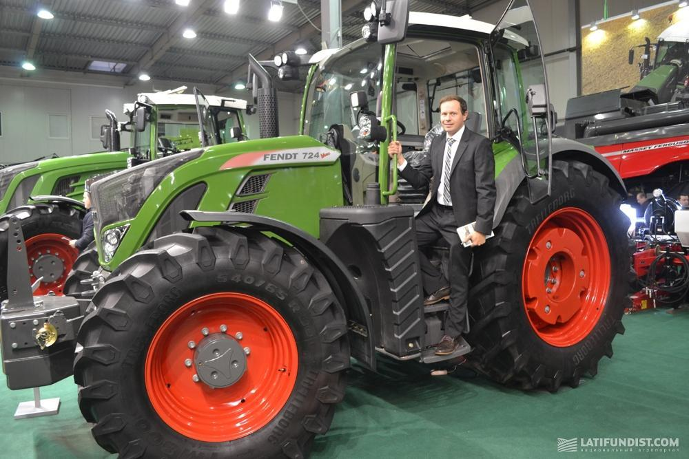 Патрик Прайс на тракторе Fendt 724