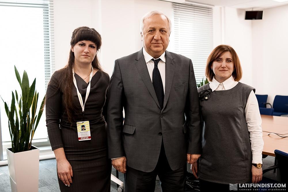 Шевки Аджунер с журналистами Latifundist.com