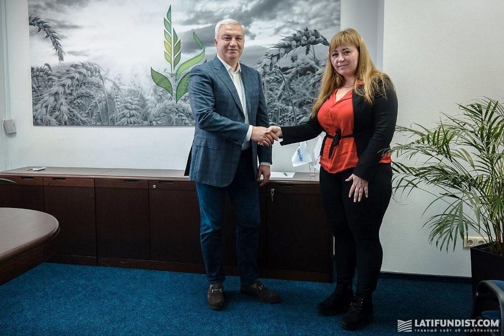 Андрей Радченко, председатель правления ПАО «Аграрный фонд» и Наталья Билоусова, главный редактор сайта AgroPolit.com