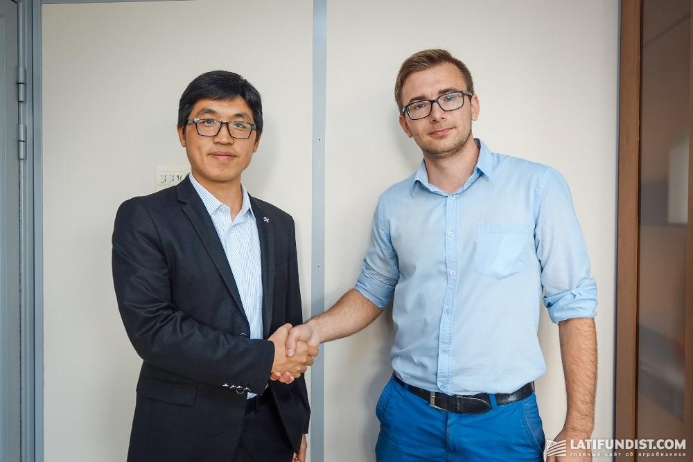 Гэвин Гуан, торговый представитель Rainbow Chemical в Европе и Африке и Константин Ткаченко, главный редактор Latifundist.com