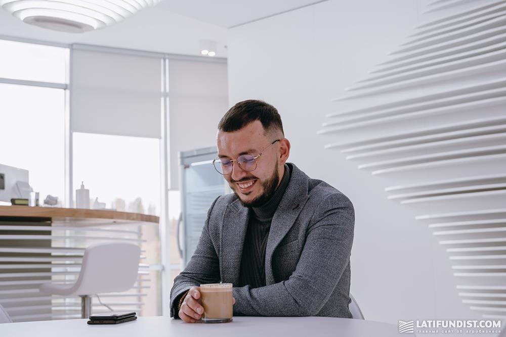 Максим Гузев