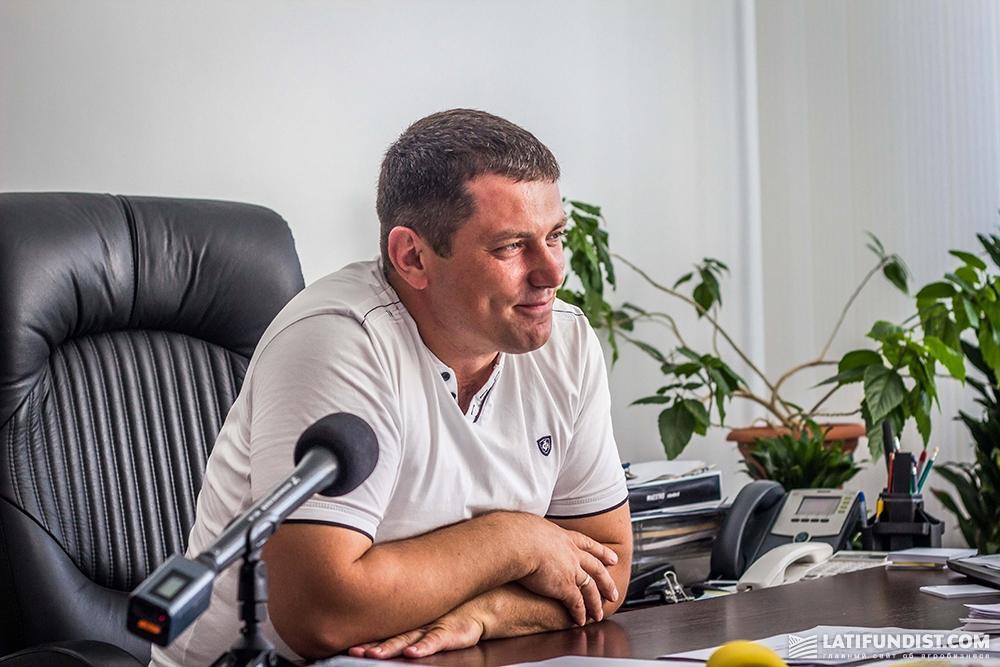Владимир Прокопчук в своем кабинете