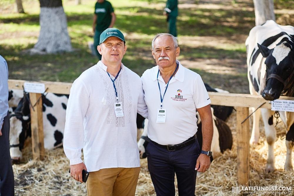 Вячеслав Саулко (справа) и Михаил Травецкий, экс-руководитель службы животноводства «Кернел»