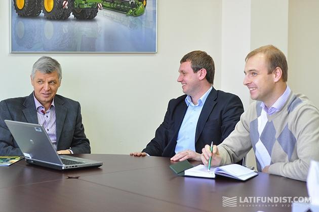 Сергей Гопкало с командой по развитию сервиса