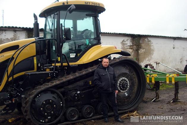 До 2002 года Юрий Сирота хорошо вжился в роль агрария