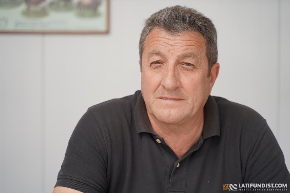 Теодозий Олейник, заведующий фермой «Теофипилка»