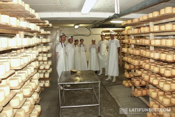 «Селиська сыроварня»: На предприятии работают шесть сыроделов, выходцы из этого же села