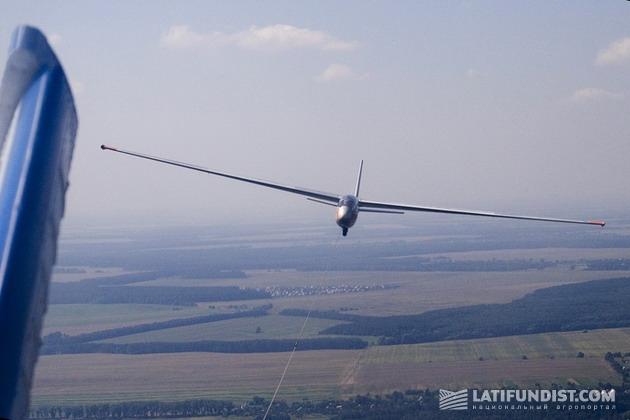 Одно из занятий Леонида - спортивные самолеты