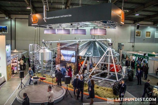 Стенд компании «Вариант Агро Строй» на выставке «Зерновые Технологии 2017»
