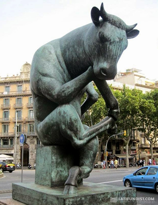 Корова-мыслительница из Барселоны