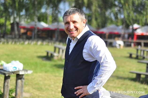 Кунь Иван Петрович, средний брат