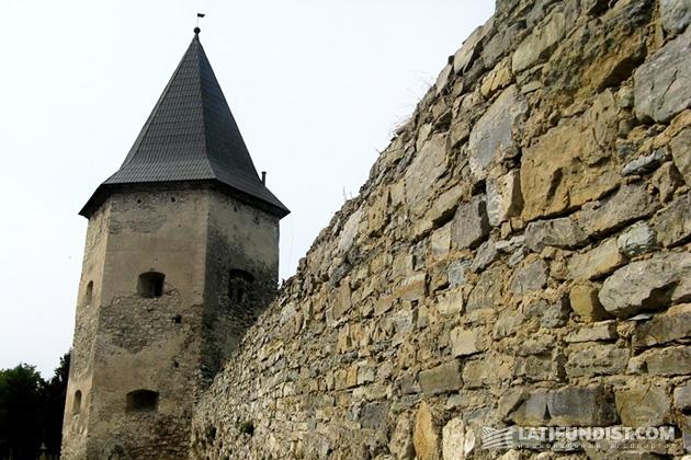 Замок в селе Кривче построен в 1639 году