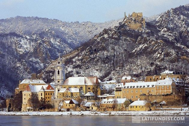 В Dürnstein пришла волшебница зима...
