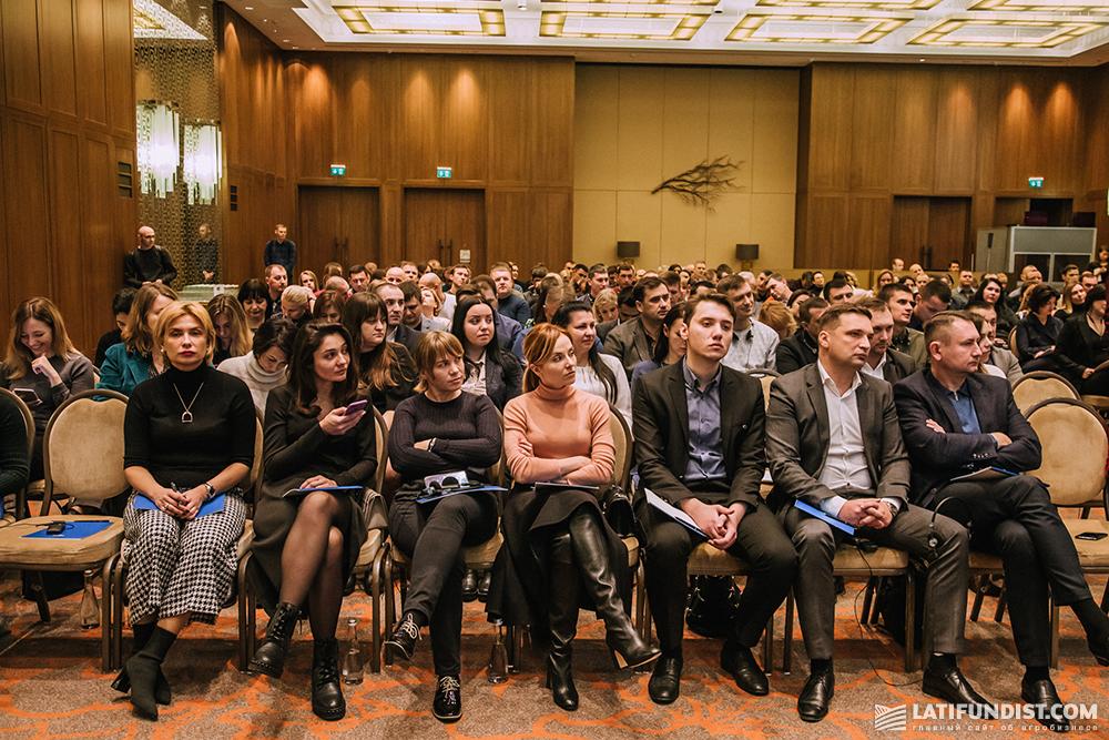 18 ноября в Киеве с лекцией выступал экс-креативный директор корпорации Apple Кен Сегалл (Ken Segall)