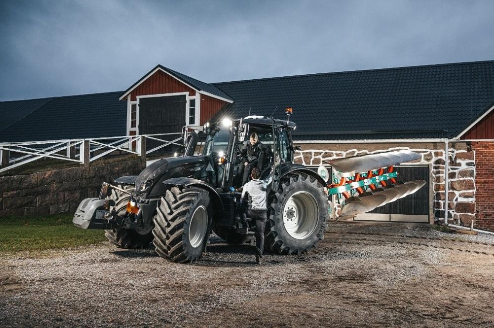 Трактор Valtra N175