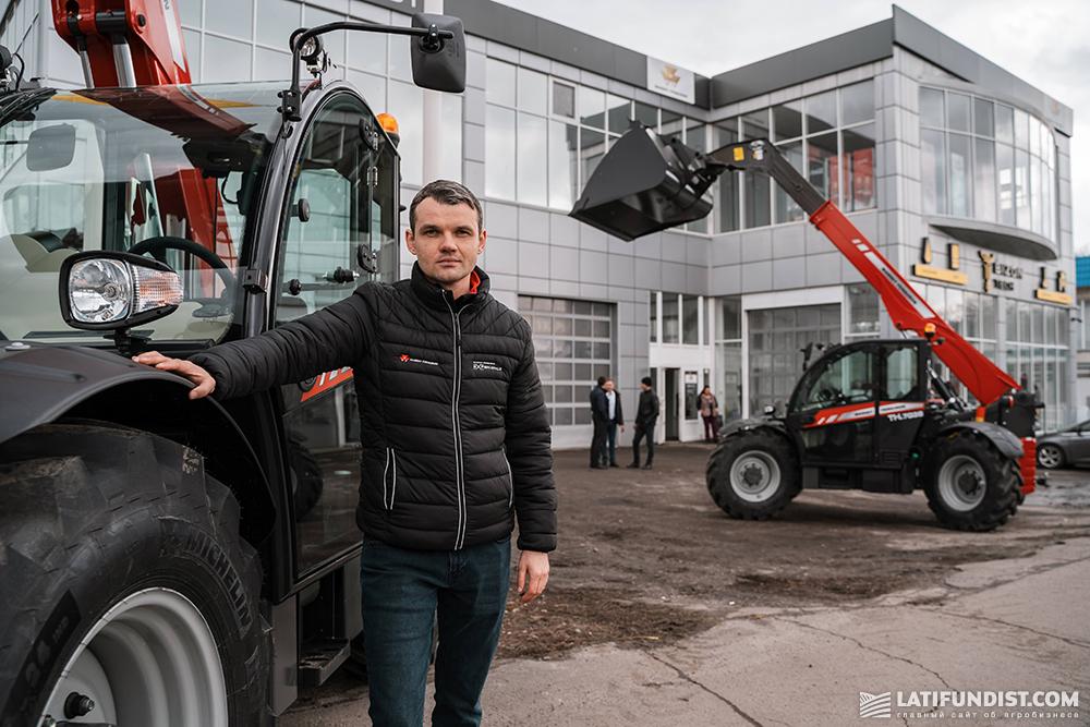 Алексей Сирый, продукт-специалист по тракторам и телескопических погрузчиках компании Massey Ferguson.