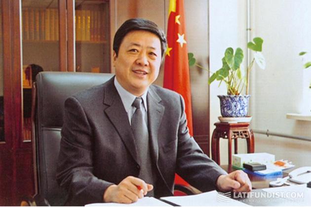 Суи Фенгфу (Sui Fengfu), гендиректор, председатель правления Beidahuang Group, заместитель директора Конгресса провинции Хэйлунцзян КНР, партийный секретарь бюро мелиорации Хэйлунцзян
