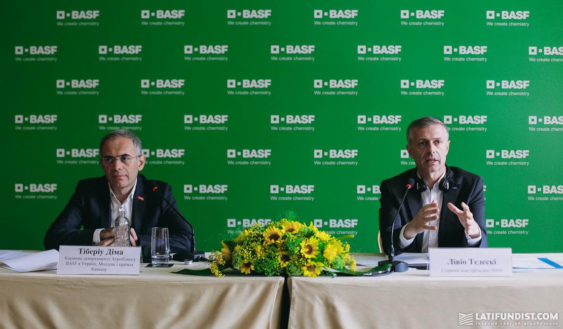 Тибериу Дима и Ливио Тедески на пресс-конференции