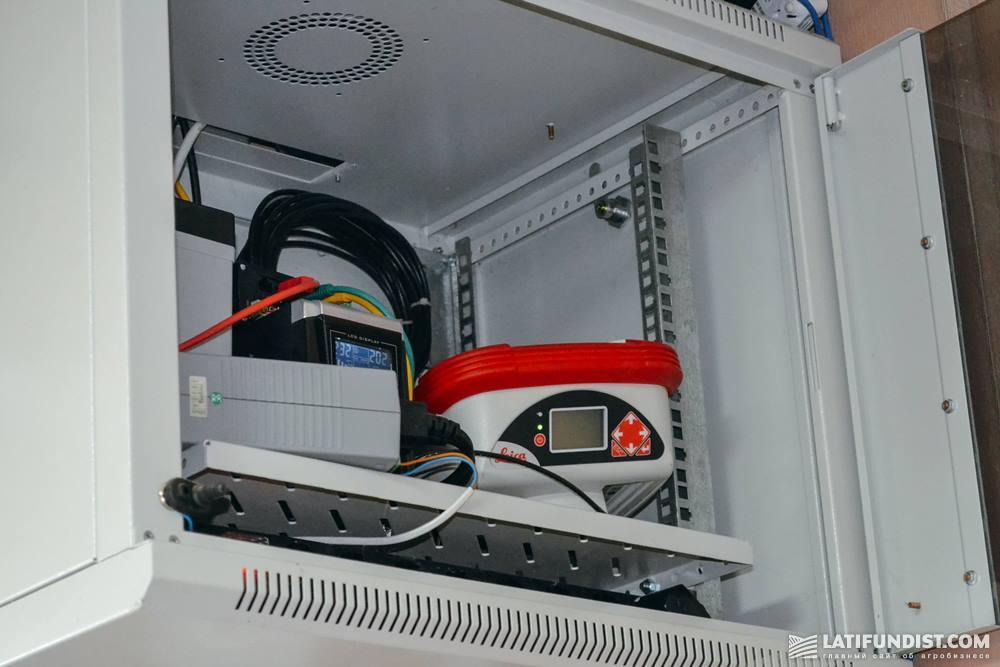 Модуль-приемник расположен в помещении офиса