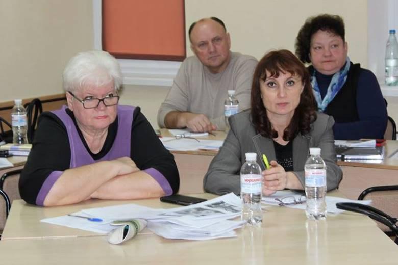 Людмила Адамчук, заместитель директора по социальным вопросам и управлению персоналом «Волочиск-Агро» (слева)