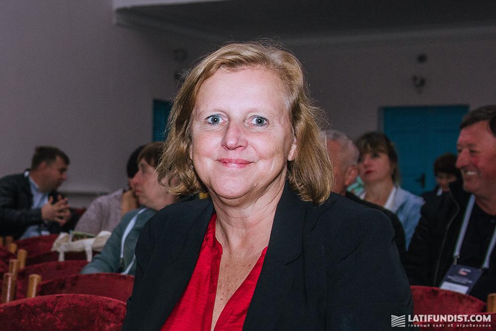Кэти Коттрелл, первый секретарь, руководитель коммерческого отдела Посольства Великобритании в Украине