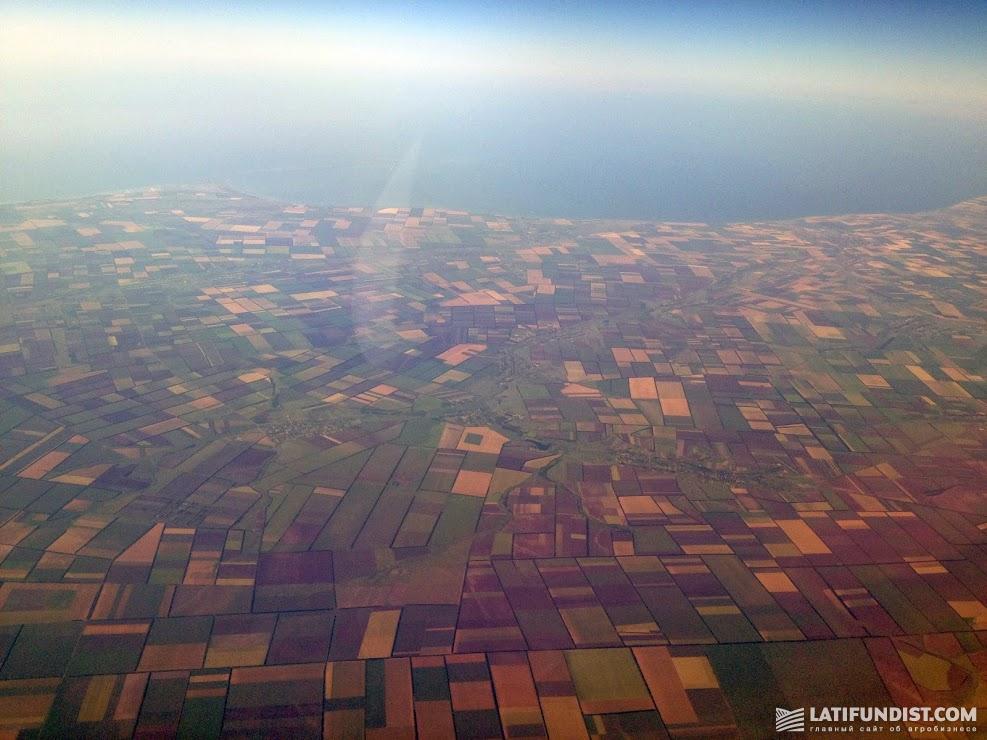 Местное законодательство Испании не запрещает иностранным гражданам покупать здесь землю, причем они могут это делать наравне с резидентами страны