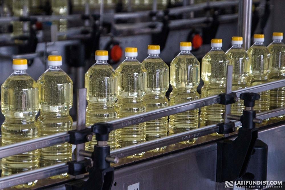 Производство подсолнечного масла на заводе компании «Кернел»