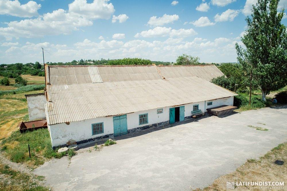 Здание паровой мельницы в селе Борисовка