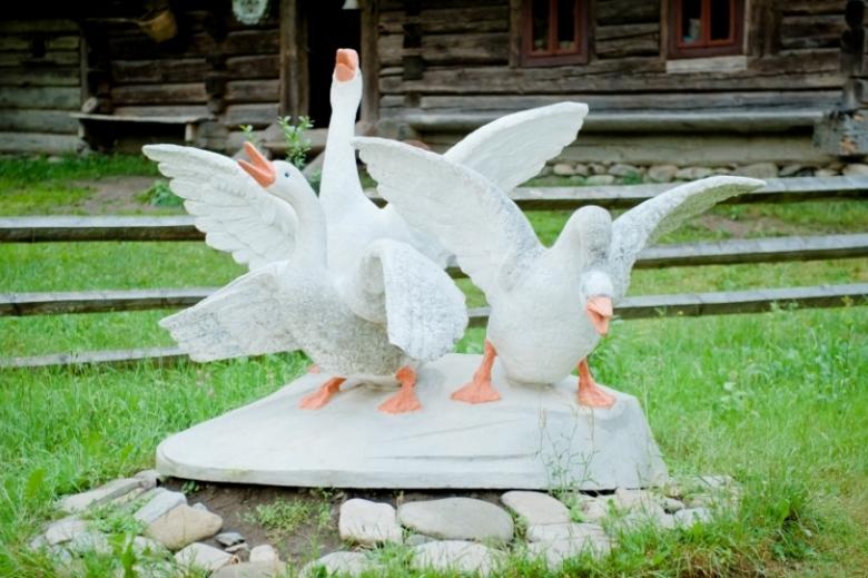 Cкульптурная композиция «Колочавский гусь»