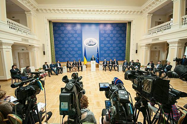 Министр Алексей Павленко с отчетом о первых 100 днях