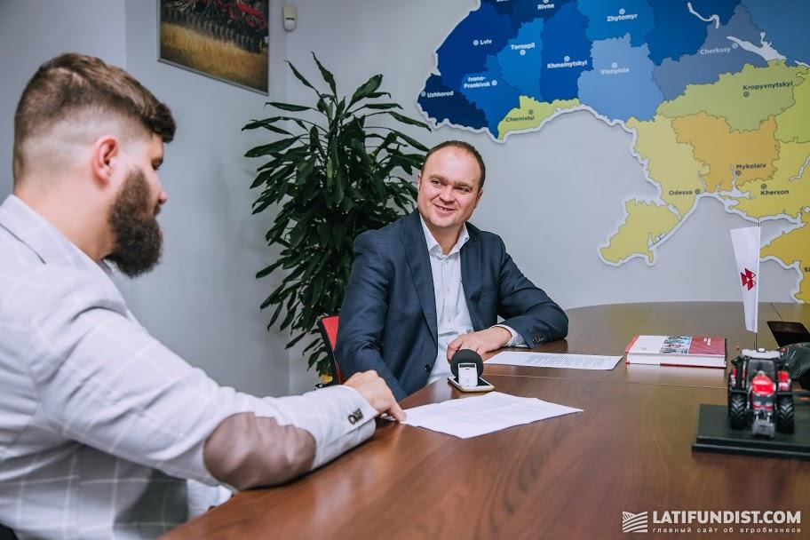 Юрий Войцехович на интервью