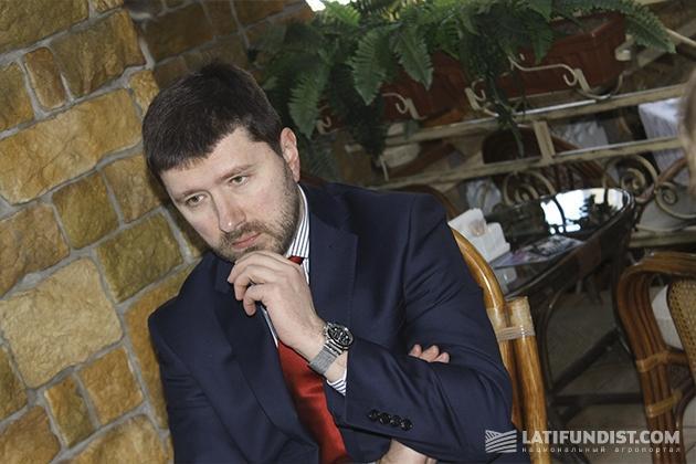 Антон Усов: Нужны одинаковые для всех условия работы. Пока что их нет