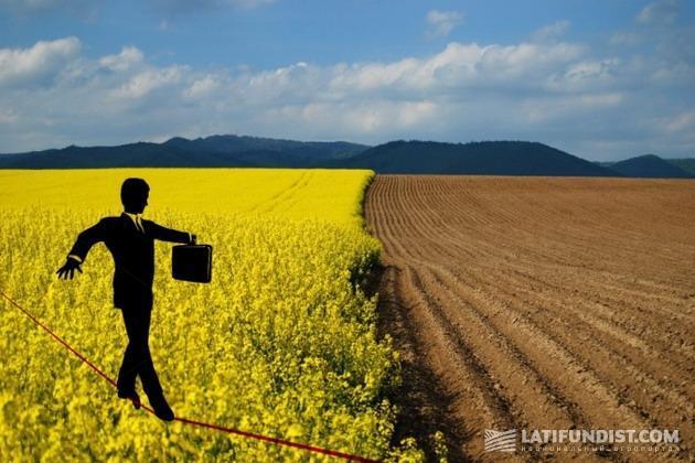 Из-за  неурегулированности процедуры оформления и переоформления договоров аренды в преддверии посевной по всей стране в карманах чиновников «оседают» сотни миллионов гривен отечественных фермеров