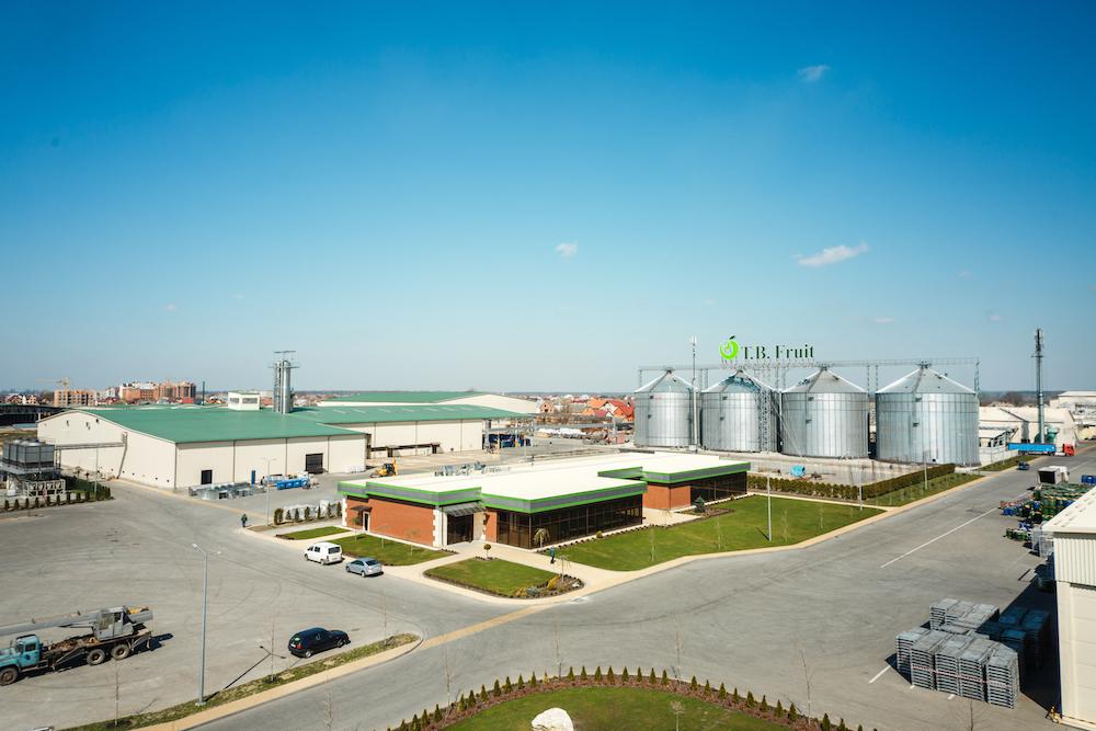 Завод компании T.B. Fruit